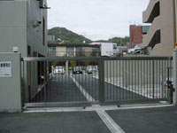 両開き式ロボットスライドゲート